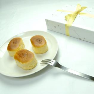 【フランス産キリーチーズ使用】とろけるチーズケーキ