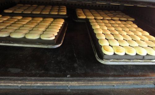 チーズケーキ製造風景